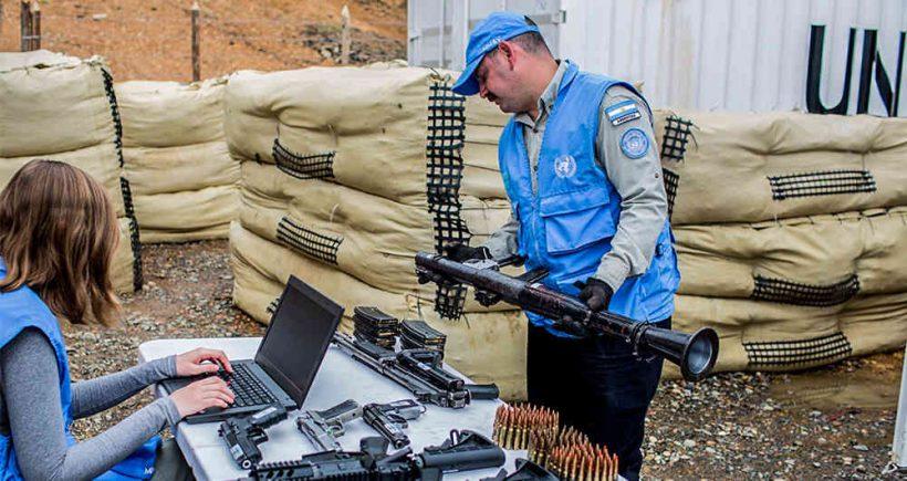 ONU recibe armas de las FARC