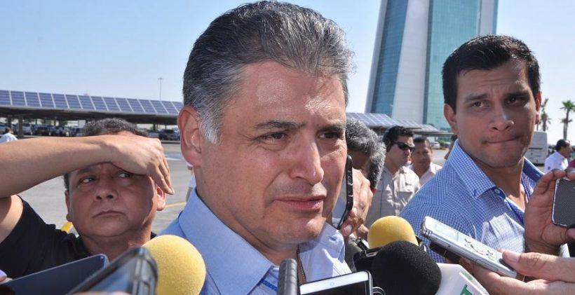Almanza Armas, , Presidente de la Federación de Camaras de Comercio en Tamaulipas.
