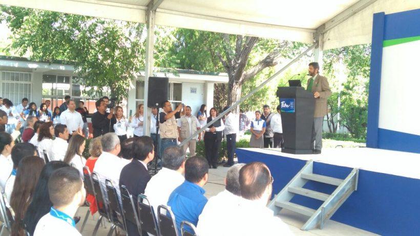 Líder de la paz impartió conferencia sobre Medio Ambiente