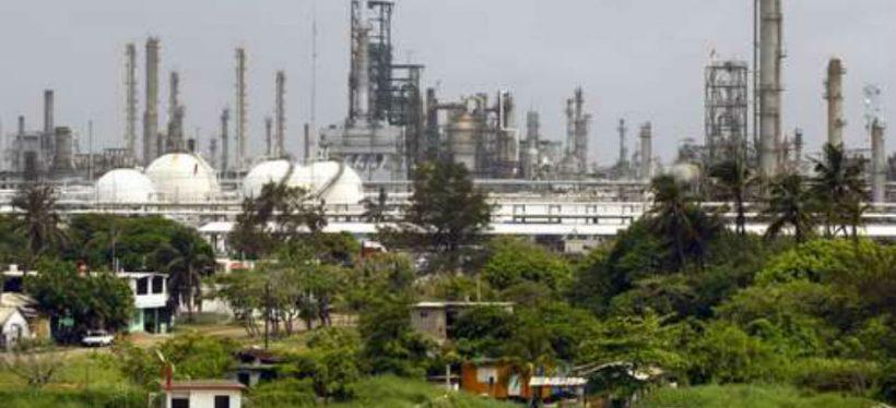 Preocupa reconfiguración de la refineria Francisco I. Madero; se debe contratar personal nacional