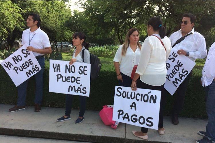 Los maestros exigen el pago de salarios