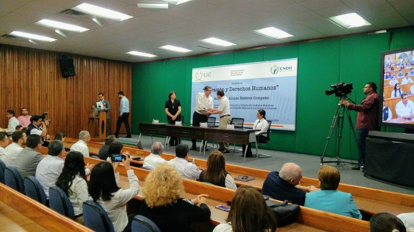 """Imparten conferencia en """"Migración y derechos humanos"""""""