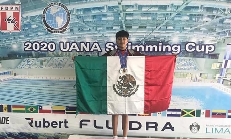 Gael Moreno en el podio